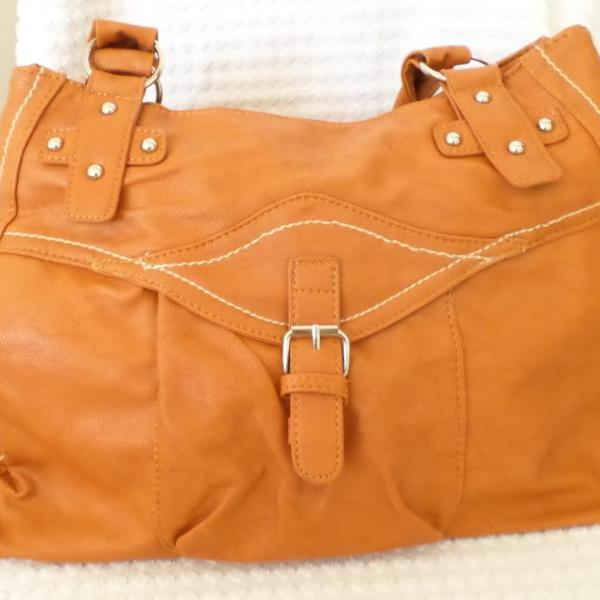 Large Handbag (42cm x 28cm) in Tan